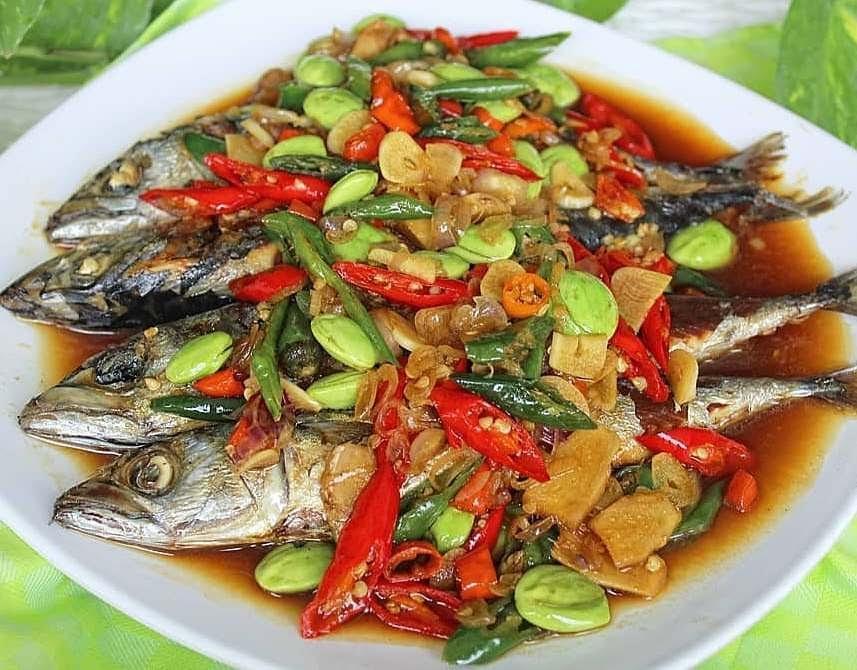 Ikan Salem Siram Cabai Petai